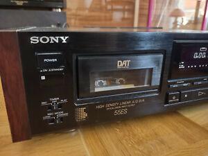 Sony DTC-55ES DAT Recorder Digital Audio Tape Dec, schwarz, Seitenwangen Holz