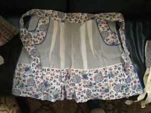 Vintage (1940-1950's) Apron with Pockets