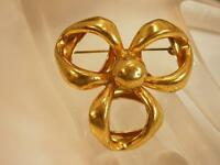 Pretty Vintage 1960's Large Gold Tone Brooch        89O
