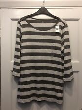 BNWT STRIPED TOP FROM GAP IN SIZE XL