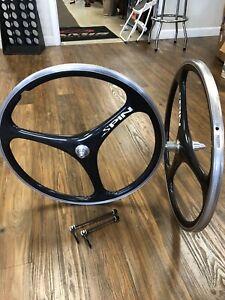 "Spin Tri Spoke Carbon Wheels 26"" Clincher Wheel Set 26 Inch Vintage Nice LOOK"