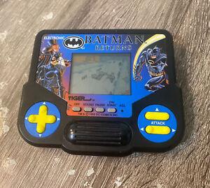 BATMAN RETURNS HANDHELD GAME TIGER 1988 TESTED & WORKS GREAT!