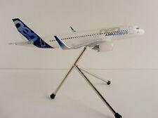 Limox Wings 1 200 Airbus A320neo color de la casa As13 Herpa Catálogo