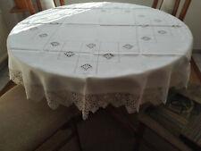 Handarbeits-Tischdecke rund