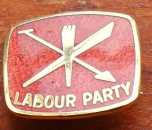 Labour Party badge gilt & enamel, 19mm wide, with pin fitting