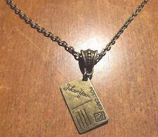 collier chaine 51,5 cm couleur bronze avec pendentif carte postale I love you