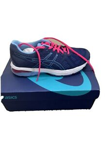 womens asics trainers size 4