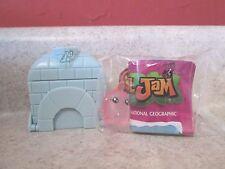 Jazwares Animal Jam Series 2 Igloo Diamond 2-40 Dapper Titan New Pink Penguin