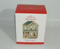 2013 Hallmark Keepsake Stately Victorian Nostalgic Houses and Shops Ornament