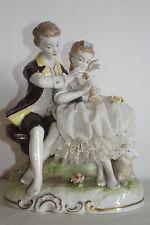 05B46 GROUPE FIGURINE PORCELAINE ALLEMANDE UNTERWEISSBACH COUPLE ROMANTIQUE