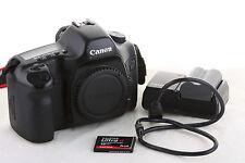Boitier reflex numérique Canon EOS 5D 12 MPixel  (dslr body camera full frame)