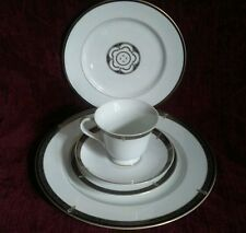 Wedgwood WHITFIELD 5 Piece Place Setting -  NEW with Tags -  FREE U.S. Shipping