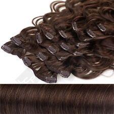 Gewellte Haarverlängerungen mit Mittelbraun