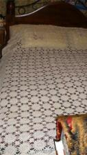 FABULOUS HEAVY DUTY  LACE TABLECLOTH CREAM  COLOR DAISY WHEEL PATTERN PRE-LOVED