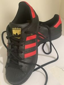 Adidas Vintage Superstar  Black Sneakers with Red details Size 6.