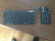 Wireless BlueTooth Keyboard and Plug inexternal Numeric pad
