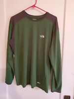 Mens The North Face VaporWick L/S Crewneck T-Shirt Green