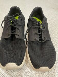 NIKE ROSHE BLACK  MENS WORN SIZE 8