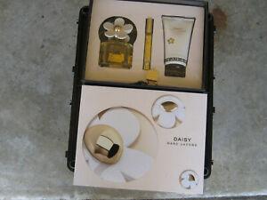 Daisy by Marc Jacobs 3 Piece Set, NIB:  Toilette Spray, Body Lotion