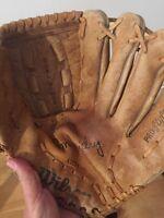 Wilson Ron Guidry A2234 Baseball Glove Dual Hinge Pro Style