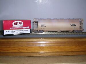 ATLAS #1945-1  C.S.X.  ACF 3-Bay Covered Hopper Car #226014 Weathered H.O. 1/87