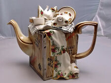 ROYAL ALBERT OLD COUNTRY ROSES LARGE MOVING DAY TEAPOT; PAUL CARDEW, GIFT IDEA