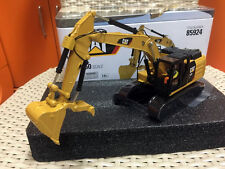 Caterpillar CAT 323F L Hydraulic Excavator 1/50 By DieCast Masters #85924