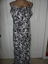 New Womens Juniors Mossimo size S Small black white leaf pattern maxi long dress