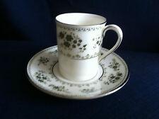 Royal Doulton valleygreen caffè può & PIATTINO (lieve usura del bordo dorato)