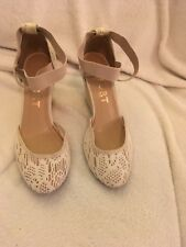 66d3ccf67c9 REPORT Womens Wedge Shoes Size 8.5 Beige Wedge Heels