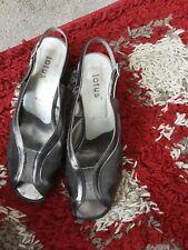 Ladies shoes sz 6