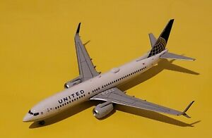 Gemini Jets 1:400 United Airlines 737-800 Post Merger Livery N76529