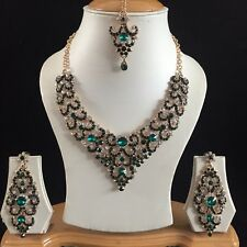 GREEN GOLD INDIAN COSTUME JEWELLERY NECKLACE EARRINGS CRYSTAL DIAMOND SET NEW 42