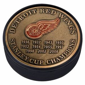 Detroit Red Wings 3D Textured Gold Plated Stanley Cup Medallion Hockey Puck