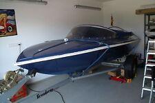 sportboot blau mit 15 PS Motor von Honda (neu)