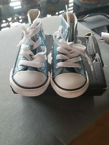 Baby girl converse size 4