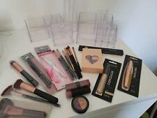 XXL Beautypaket Kosmetikpaket Kosmetik Pinsel Acryl Aufbewahrung Tolle Marken