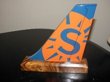 SUN COUNTRY AIRPLANE TAIL AIRLINE WOOD DESK MODEL PILOT FATHERS DAY GIFT NEW!