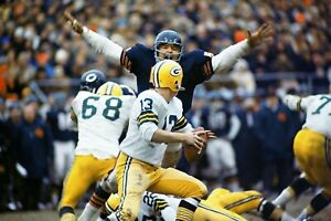 DICK BUTKUS  ALLTIME GREAT BEARS GOES AFTER PACKERS QUARTERBACK COLOR 8X10 AZ