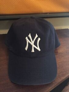 New York Yankees '47 Forty-Seven MLB Genuine Merchandise Blue Logo Fitted Hat M