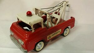 Ford Wrecker 1/16 scale pressed metal replica collectible / toy