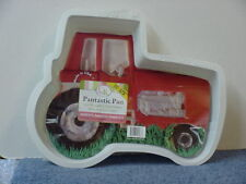 International Harvester Pantastic Tractor Cake Pan