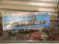 Revell #H-437 Polaris Nuclear Submarine Show-Off Model Kit