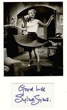 SYLVIA SYMS signed paper +  pic in display.#02 UACC RD retirement sale