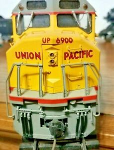 PRECISION SCALE KTM UNION PACIFIC O SCALE PAINTED EMD DD-40X IN GOOD COND OB.