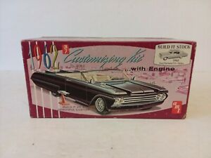 VINTAGE AMT 1962 FORD FAIRLANE MODEL CAR KIT UNBUILT 1:25