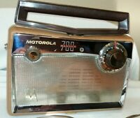 Antique 1957 Motorola 700 Ranger Vacuum Tube Portable Bakelite AM Radio RESTORED