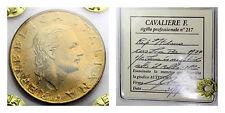 200 lire 1977: VARIANTE 1/2 LUNA SOTTO IL COLLO - Periziata CAVALIERE -NC- FDC