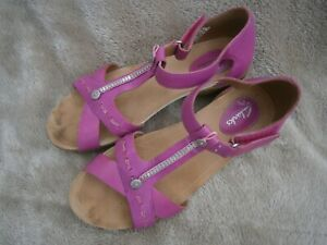 CLARKS LADIES PINK LEATHER STRAPPY SANDALS LOW HEEL UK 5 * WORN ONCE