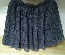 "Ladies Grey/Black Checked Skirt, Small (26-27"" Waist)."